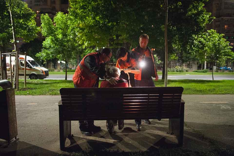 garda-de-noapte-pe-ambulanta-24